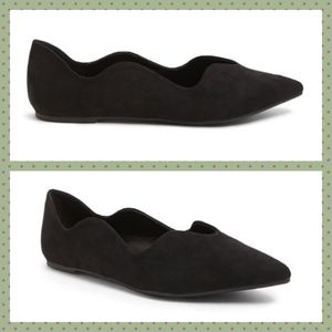 Black Faux Suede Scalloped Pointed Toe Flats NIB